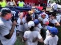 Le Président Jouanno remet le Trophée aux CM1 de la Xaviere