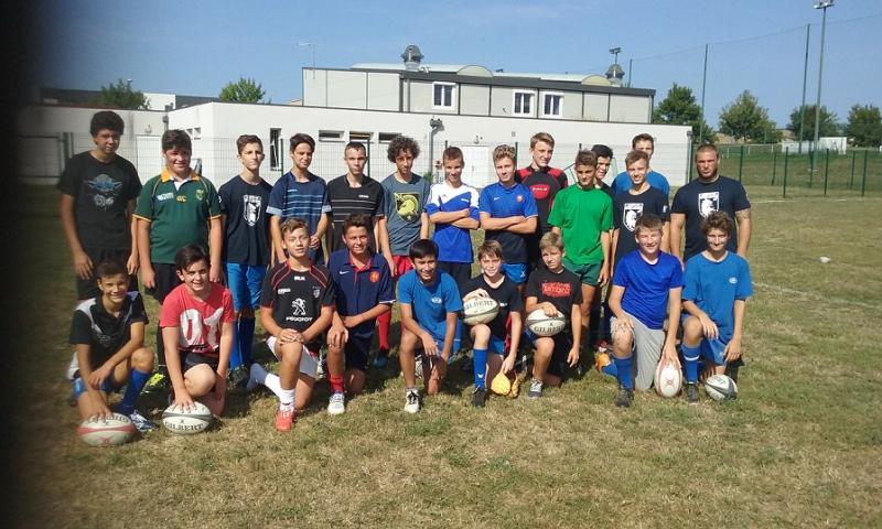 Les Cadets et Minimes de SFRL et le coach Colin Niez