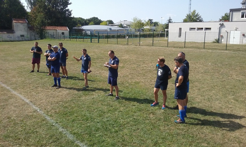 Les educateurs du club et au centre Thibaut le Président