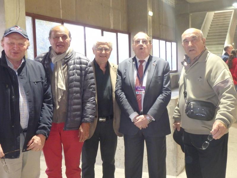 Jacques Soppelsa avec les anciens du bataillon de Joiville